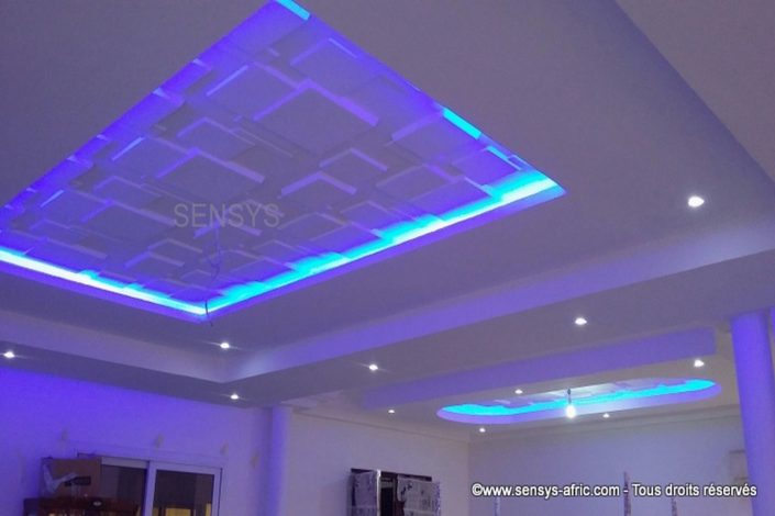 Faux plafond dakar s n gal d coration d 39 int rieur for Fond plafond salon