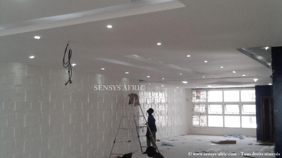 Faux plafond bureau de r union sensys afric sensys afric for Plafond de bureau