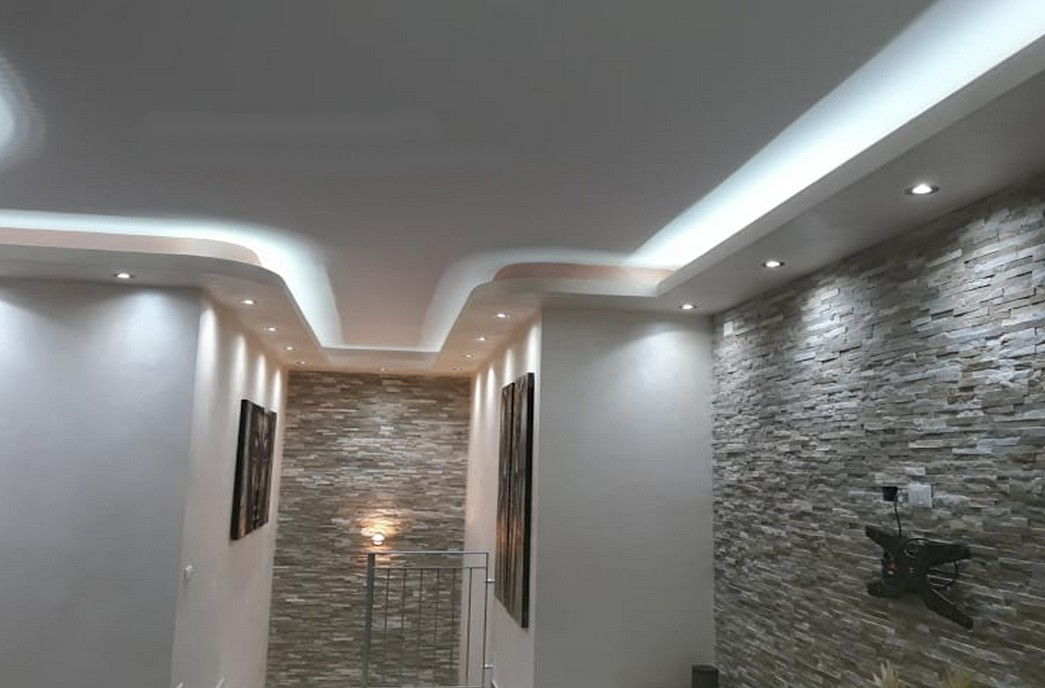 D coration de salon model de faux plafond s n gal sensys afric - Decoration de plafond ...