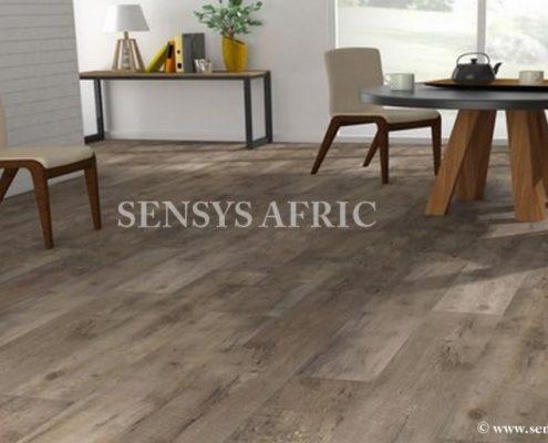sol-PVC-lames-adhesives-decor-parquet-et-beton-Copier-495x400 Lames PVC  Sensys Afric - Laissez libre court à votre imagination