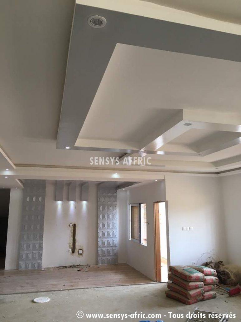 Meubles tv lumineux dakar s n gal d coration salon sensys afric - Decoration interieur plafond ...