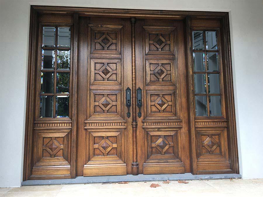 Portes-en-bois-maison-Dakar-Sénégal-Sensys-Afric Travaux en bois