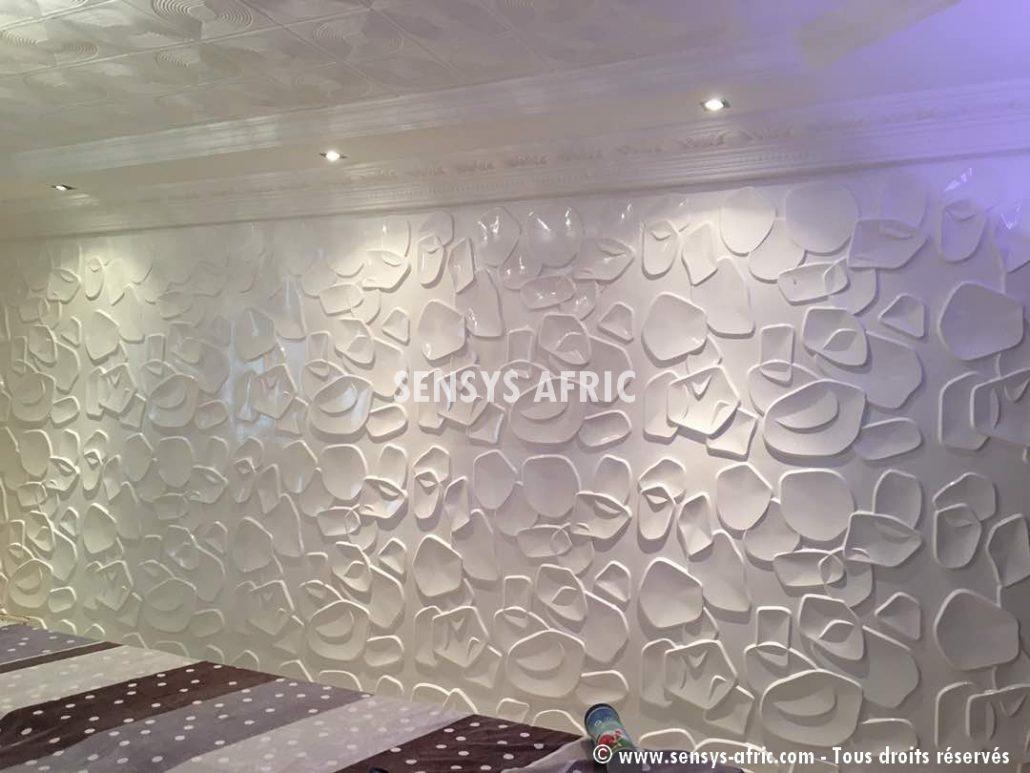 Décoration-murale-Panneaux-3D-mur-design-restaurant-à-Dakar-Thiès-Saint-Louis-Sénégal-Sensys-2-1030x773 Décoration restaurant à Dakar, Sénégal.