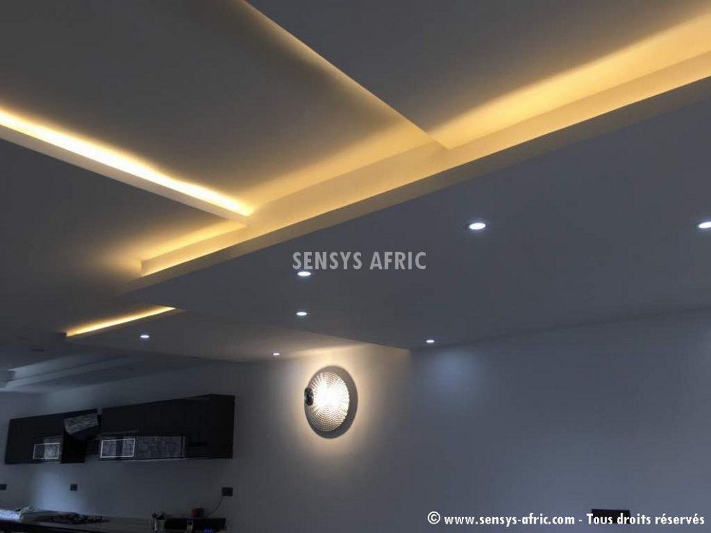 Décoration-restaurant-Faux-Plafond-Dakar-Thiès-Saint-Louis-design-dintérieur-Sénégal-Sensys-Afric-3-1030x772 Décoration restaurant à Dakar, Sénégal.