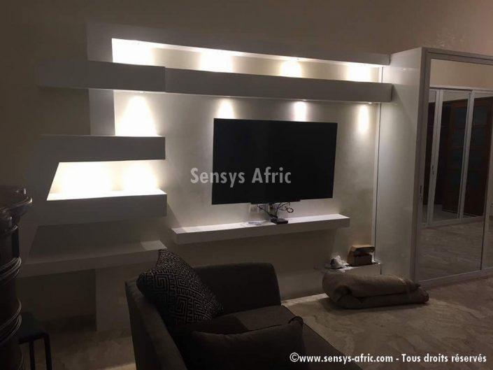 Design-décoration-salon-moderne-déco-intérieur-meubles-tv-lumineux-Sénégal-6-705x529 Meubles TV BA13