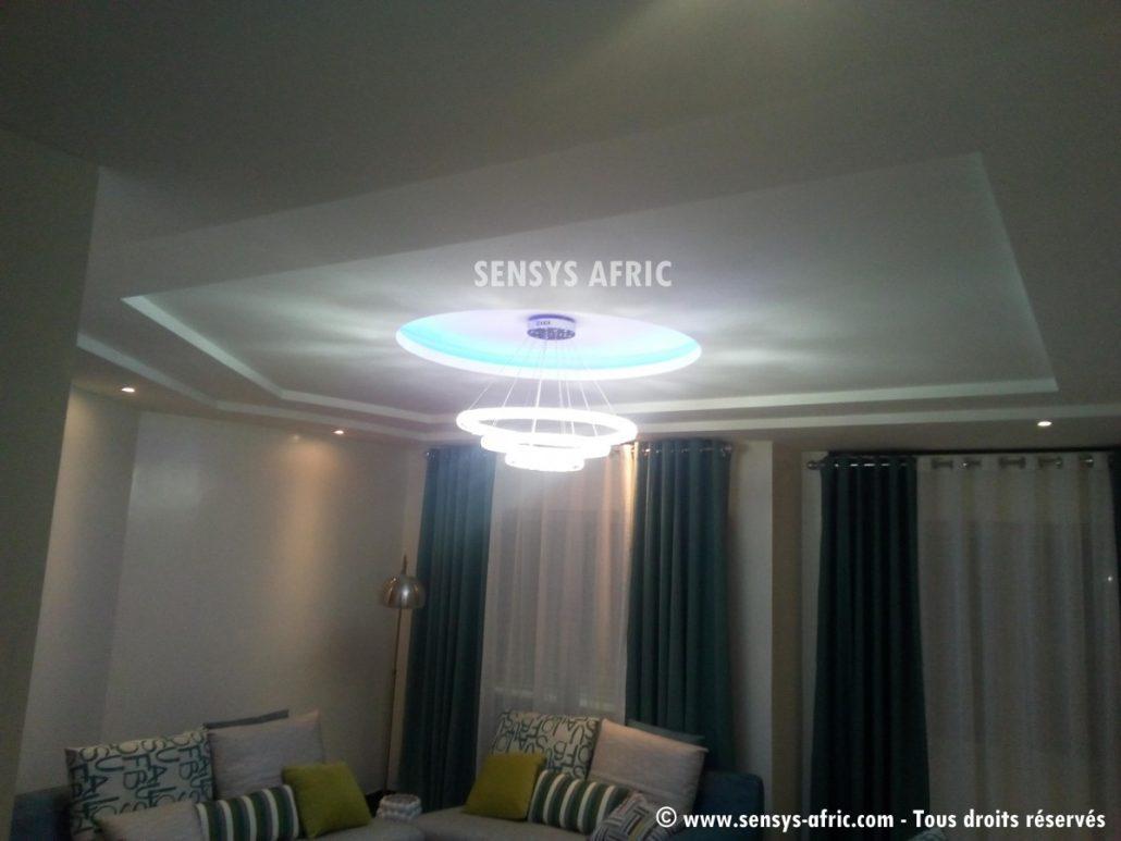 Faux-Plafond-décoration-salon-moderne-déco-intérieur-Dakar-Thiès-Saint-Louis-Louga-Sénégal-Design-Sensys-Afric-4-1030x773 Décoration Salon Moderne