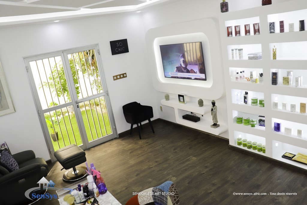 Décoration-boutique-louga-salon-de-beauté-Atélier-Beauty-Dakar-Design-by-Sensys-Afric Atélier Beauty Dakar