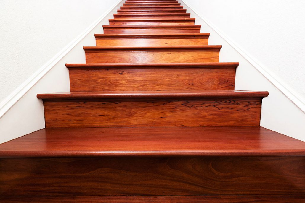 Escaliers-en-bois-à-Dakar-Sénégal-Sensys-Afric-1-1030x687 Construire des escaliers en bois au Sénégal.