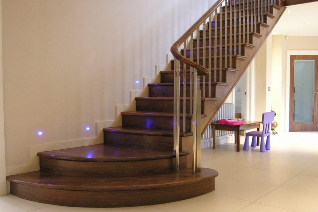 Escaliers-en-bois-à-Dakar-Sénégal-Sensys-Afric-1030x687 Construire des escaliers en bois au Sénégal.