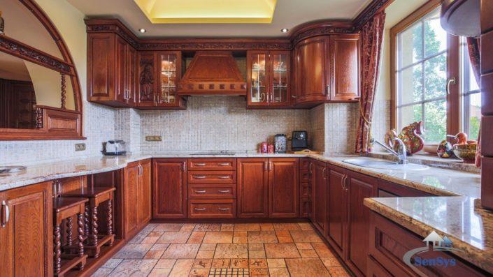 Cuisines-en-bois-fabriquées-au-Sénégal-Design-Sensys-Afric-705x397 Cuisines en bois