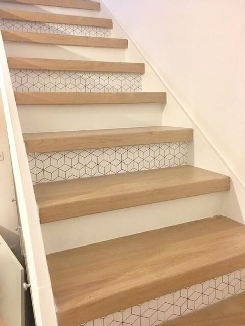 Escaliers-bois-à-Dakar-escalier-Thiès-design-escaliers-Saint-Louis-Sénégal-Menuiserie-Sensys-Afric Escaliers en bois