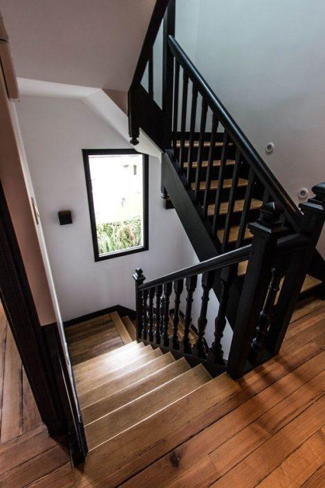 Escaliers-bois-à-Dakar-escalier-Thiès-design-escaliers-Saint-Louis-Sénégal-Menuiserie-en-bois-Sensys-Afric-470x705 Escaliers en bois