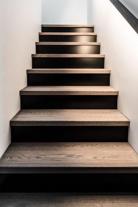 Escaliers-bois-restaurant-Dakar-Sénégal-470x705 Escaliers en bois