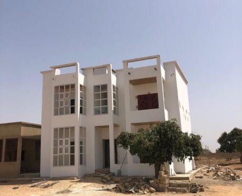 WhatsApp-Image-2021-03-27-at-14.57.40-495x400 Second oeuvre et décoration de maison à Thiès, Sénégal.