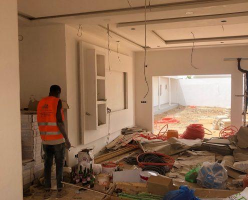 IMG_8588-495x400 Second oeuvre et décoration de maison à Mbour, Gandigale. Chantier en cours.