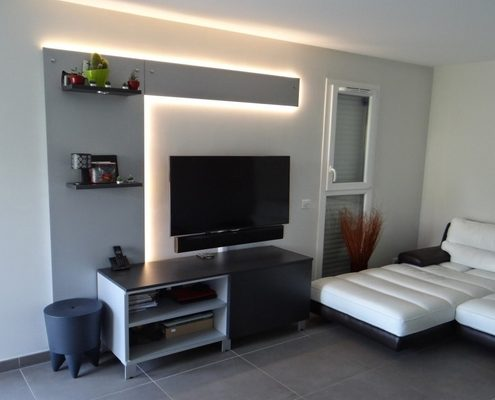 Meubles-TV-lumineux-1-1-495x400 Idées De Décoration