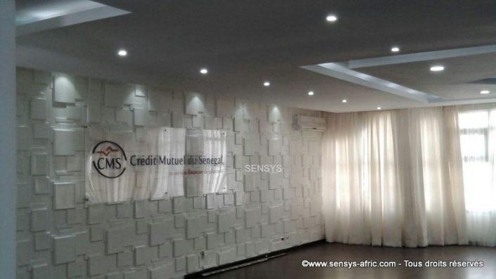 Revêtement-mural-Sensys-Crédit-Mutuel-du-Sénégal-2-705x397 Les Panneaux 3D de Sensys
