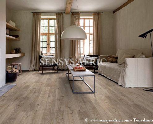 lame-pvc-clipsable-avec-quatre-chanfreins-livyn-balance-click-quick-step-Copier-495x400 Lames PVC Parquets