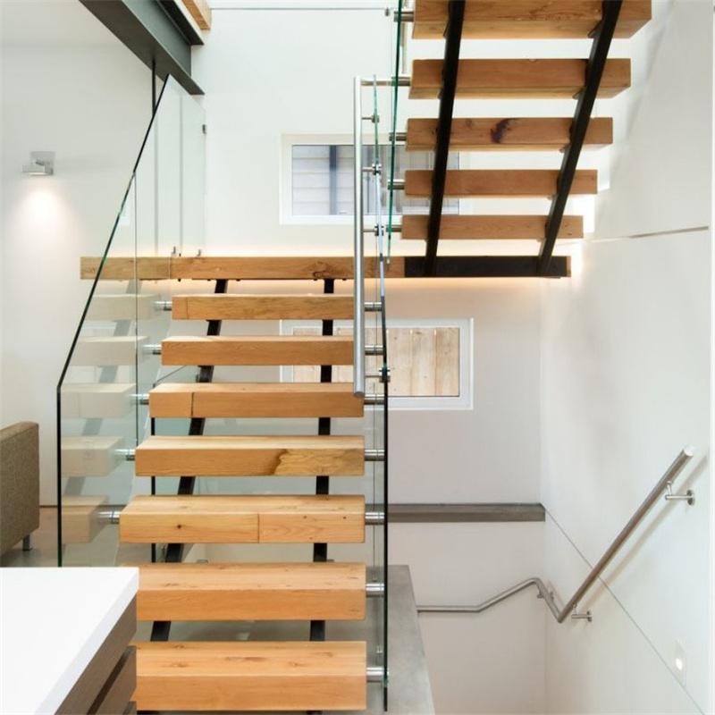 Escaliers-en-bois-à-Dakar-Sénégal-Sensys-Afric Escaliers