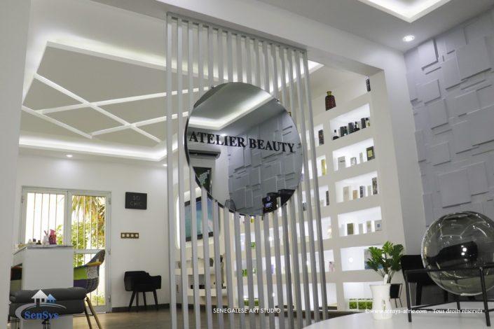 Décoration-boutique-salon-de-beauté-Atélier-Beauty-Dakar-Design-by-Sensys-Afric-705x470 Faux Plafond