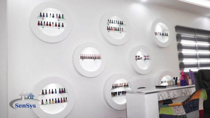Design-stand-de-boutique-Atélier-Beauty-Dakar-Sénégal-705x397 Meubles Lumineux