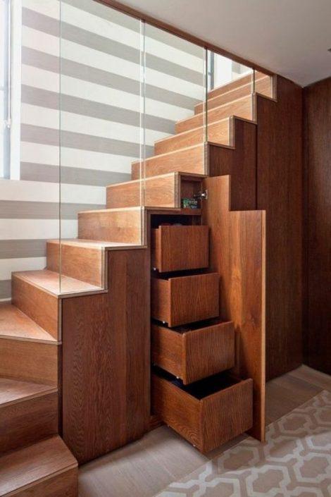 Escaliers-bois-à-Dakar-escalier-Thiès-design-escaliers-Saint-Louis-Sénégal-Menuiserie-décoration-en-bois-Sensys-Afric-470x705 Escaliers en bois