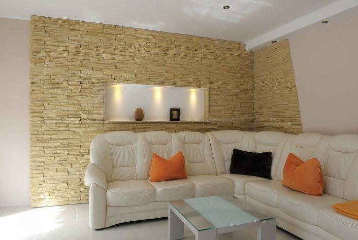 Pierre-Naturelle-Dakar-Sénégal-décoration-pièce-de-séjour-Thiès-Saint-Louis.-Design-Sensys-Afric-705x473 Meubles Lumineux