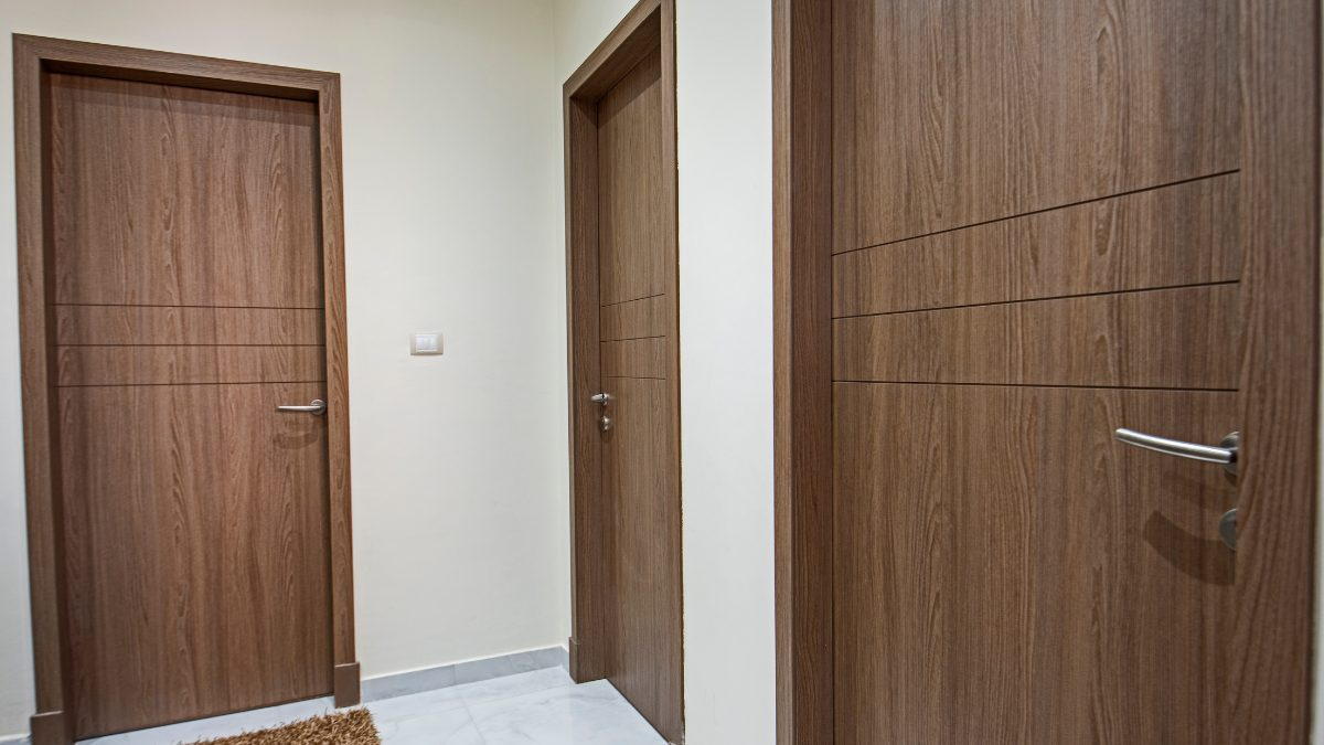 pourquoi-installer-une-porte-en-bois-au-Sénégal Pourquoi choisir une porte en bois au Sénégal