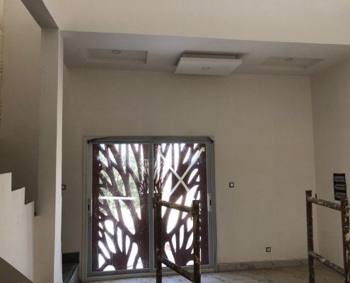 WhatsApp-Image-2021-03-27-at-14.57.37-495x400 Second oeuvre et décoration de maison à Thiès, Sénégal.