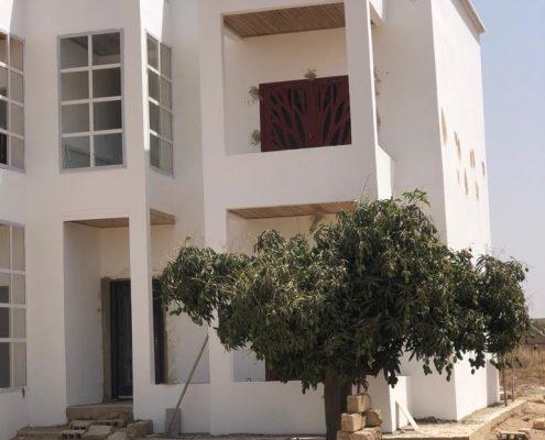 WhatsApp-Image-2021-03-27-at-14.57.41-1-495x400 Second oeuvre et décoration de maison à Thiès, Sénégal.